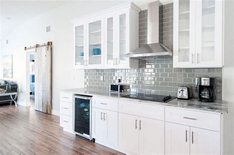 white kitchen wall cabinets 26 small kitchens with white cabinets designing idea