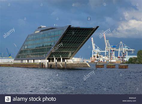 Buerohaus In Hamburg by Hamburg Teherani Haus Das Dockland Ist Ein