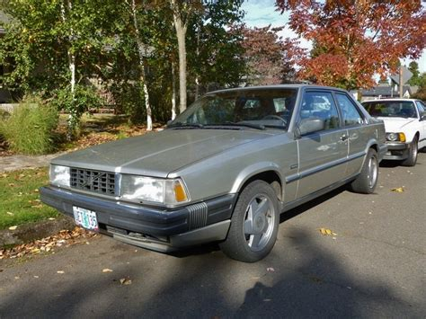 curbside classic  volvo  rectilinear luxury
