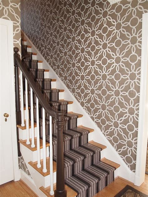 Treppenaufgang Tapezieren Ideen by 16 Fabulous Ideas That Bring Wallpaper To The Stairway