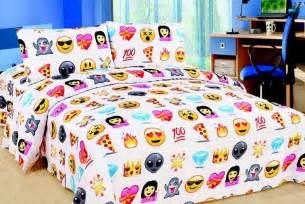 Walmart Bedding Sets Queen by Emoji Bedding Set Bargain From 163 12 Via Wowcher Event Next