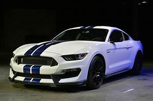 Ford Shelby Mustang GT350 specs, 0-60, quarter mile, lap times - FastestLaps.com