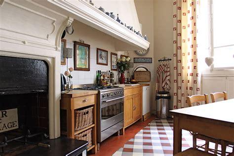 image hotte de cuisine cuisine et grande cheminée c0314 mires