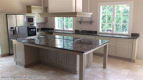 tapis plan de travail cuisine cuisine plan de travail en marbre cuisine naturelle