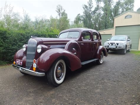 1935 Oldsmobile Model L-35