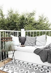 le gros coussin pour canape en 40 photos With tapis exterieur avec canape coussin tapissier
