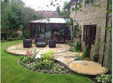 circular Indian stone patio design incorporating water