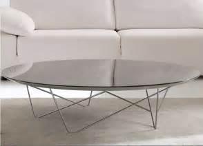 moderne couchtische design couchtisch glas oval mit material tischbeinen aus lackierten metall oder poliertem chrom für