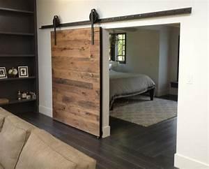 Porte coulissante grange 35 idees pour la chambre rustique for Porte de garage coulissante et double porte salon