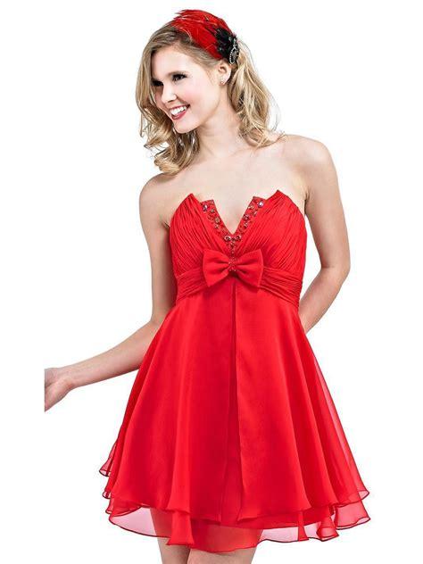 MEDIUM LENGTH HAIRCUT Red homecoming dresses