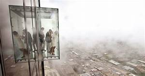 The Willis Tower's 103rd Floor Glass Skydeck Cracked Last ...