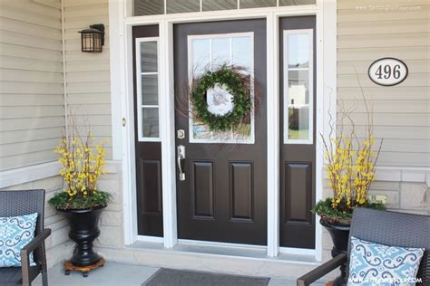 4 Tips To Enhance Your Front Entry  Outdoor Seating And