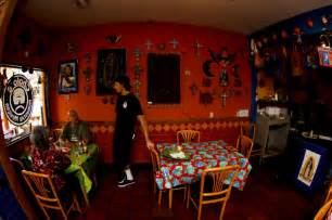 homestyle kitchen island cholos restaurant photogalleries cholos homestyle mexican restaurant honolulu hawaii