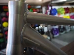 cadre de vtt en alu poli brosse et protege par un vernis With peinture couleur alu brosse