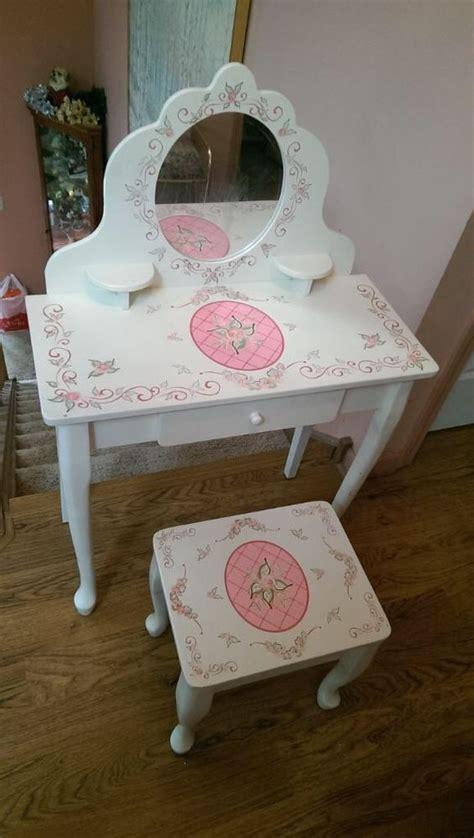 princess vanity table kidkraft princess make up vanity table stool mirror