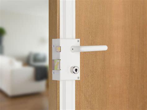 changer serrure porte chambre changer serrure porte chambre porte de chambre lapeyre