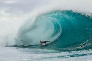 Pipeline Surfing Hawaii