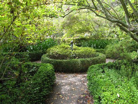 Designing Garden Paths Styleseed