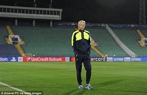Olivier Giroud targets first-team return as Arsenal ...