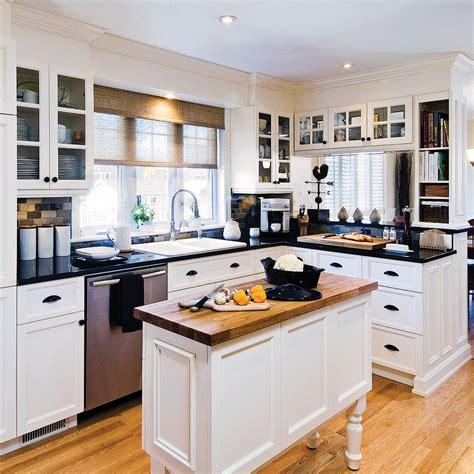 cuisine en noir et blanc idees de cuisine moderne avec armoires blanches