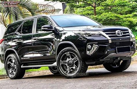 toyota fortuner xd series xd rockstar  wheels black