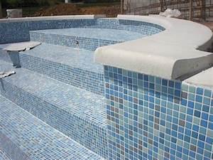 revetements piscine pour construire ou renover votre piscine With carrelage ceramique pour piscine