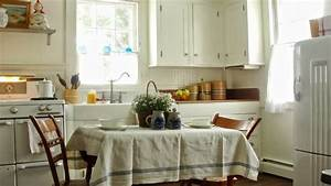 Vintage kitchen in a Cape Cod cottage Kitchen