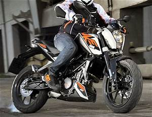 Fiche Technique Ktm Duke 125 : ktm 125 duke 2015 fiche moto motoplanete ~ Medecine-chirurgie-esthetiques.com Avis de Voitures