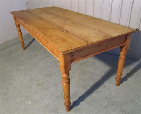 Victorian Rustic Pine 3 Plank Kitchen Table