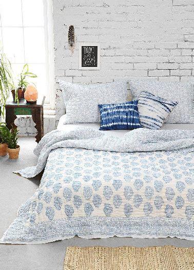 chambre blanche et bleu déco chambre adulte blanche et bleu