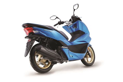 Honda Pcx Image by 2017 Honda Nss300 And Honda Pcx Now In Blue Priced At