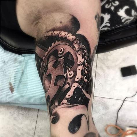 tatouage femme moto resultado de imagem  tatuagens