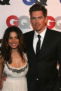 Steve Howey And Sarah Shahi Picture1