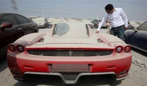 des milliers de voitures de luxe abandonnees  dubai