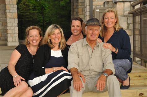Former Columbus Zoo Director Jack Hanna, 74, Diagnosed ...
