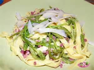 cuisiner des asperges fraiches recettes asperges sauvages provence