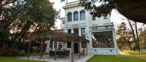 verande liberty lussuosa villa veneta in stile liberty lionard