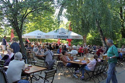 Biergärten In The Tiergarten Andberlin