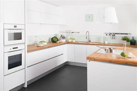 cuisines laqu馥s blanches top cuisine blanche plan travail bois on decoration d interieur moderne darty six nouvelles cuisines idees x with plan de travail laqu blanc brillant