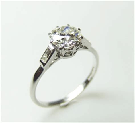 vintage engagement rings a buyer s guide the bijou