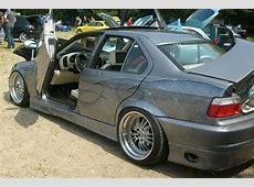 Pirelli Tuning Award BMW E36 Limousine von Cristian Keller