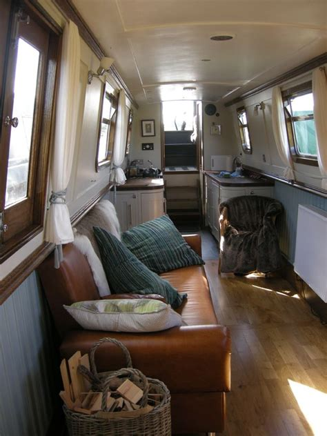 Getting Used To Living On A Boat by The 25 Best Narrowboat Ideas On Canal Boat