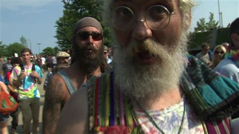 deadheads flock  soldier field  grateful deads