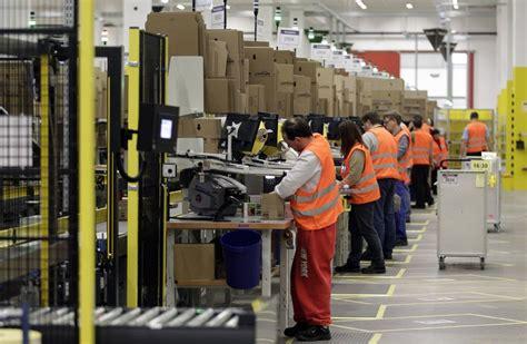 What It's In Amazon's Massive Warehouses Fulfillment