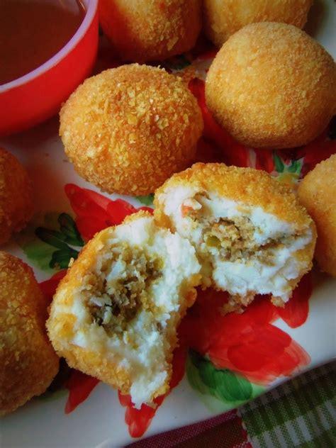 Over 100,000 spanish translations of english words and phrases. Stuffed Fried Mashed Potato Balls | Recipe | Food, Fried mashed potatoes, Mexican food recipes