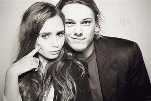 jamie campbell bower and lily collins tumblr - Buscar con ...