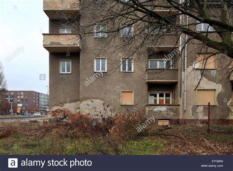 Haus Kaufen Berlin Rummelsburg berlin deutschland heruntergekommenen wohngeb 228 ude in