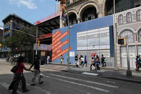 national retailers discover fulton street mall  brooklyn   york times