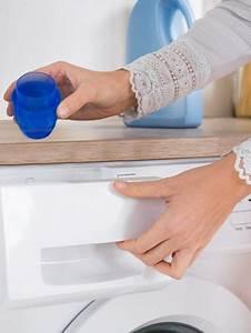 Waschmaschine Spült Weichspüler Nicht Ein : 10 gr nde wieso du mit essig waschen solltest ~ Watch28wear.com Haus und Dekorationen