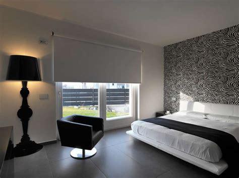 da letto nera e arredare casa con pavimento scuro foto design mag